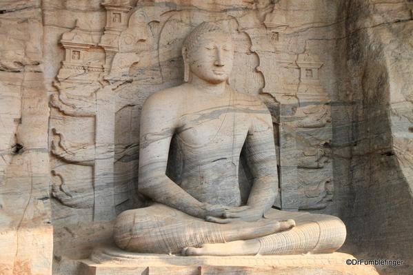 03 Gal Vihara Samadhi statue
