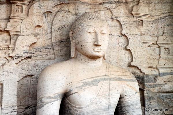 06 Gal Vihara Samadhi statue