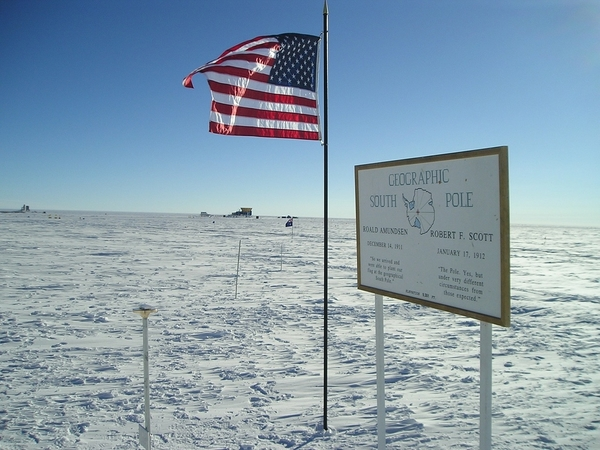 south-pole-station-1221043_1280