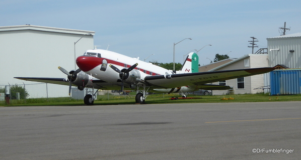 12 WWII DC3 D-Day plane (1)