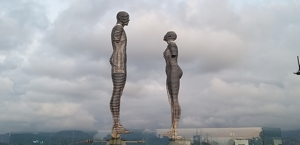 101 2019-10-27 Georgia Batumi Ali _ Nino 20