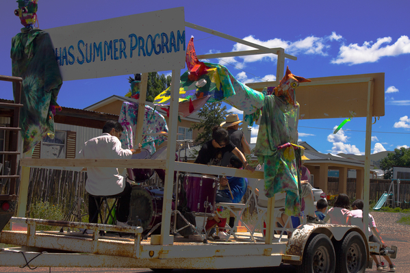 truchas parade 04