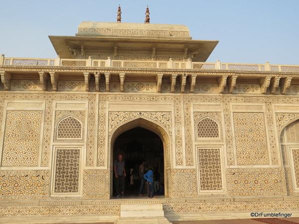 07 Tomb of Itimad Ud Paulah