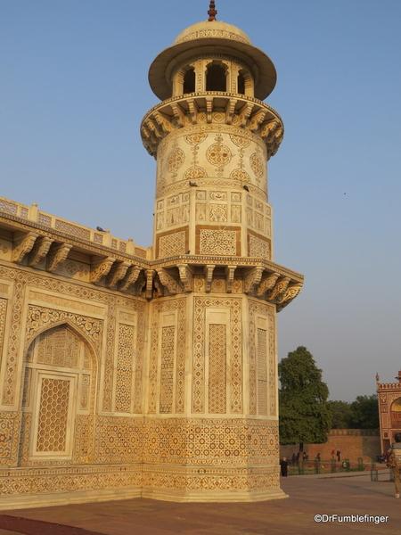 10 Tomb of Itimad Ud Paulah (64)
