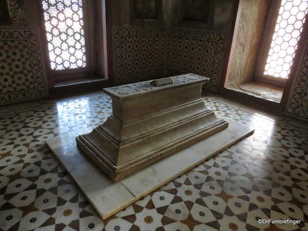 17 Tomb of Itimad Ud Paulah (40)