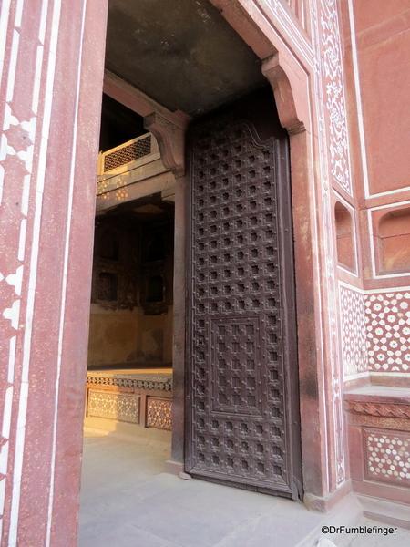 27 Tomb of Itimad Ud Paulah