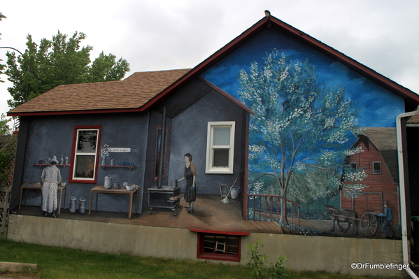 Murals of LaCombe (6)