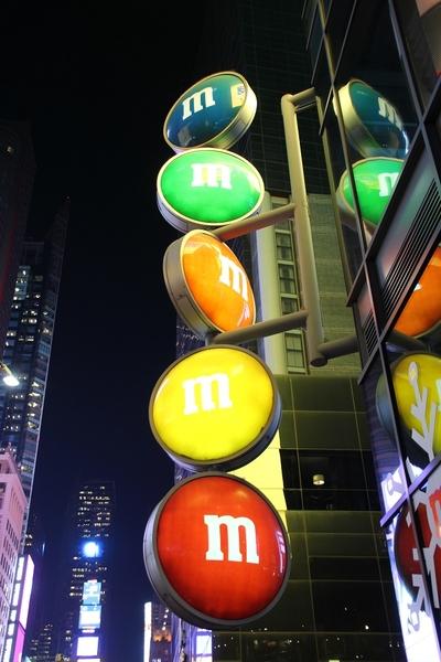 m&m sign