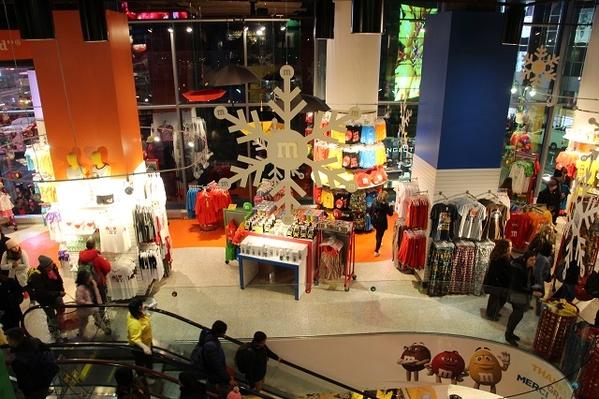 m&m store 1