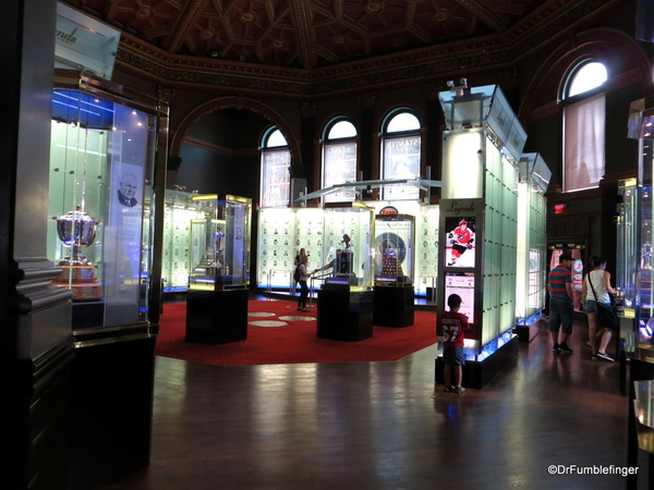 27 Hockey Hall of Fame
