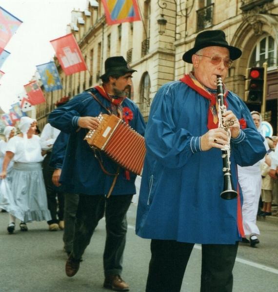 dijon parade musician