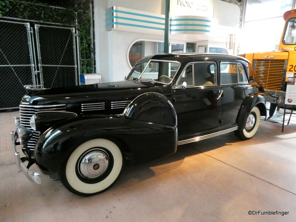 1938 Cadillac Touring Sedan -- National Automobile Museum (3)