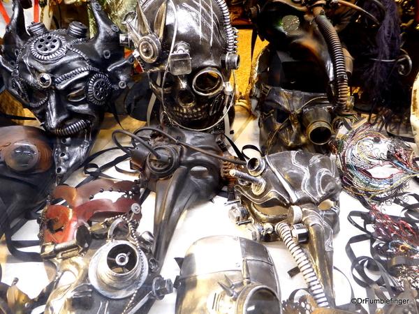 04 Venice Window shopping