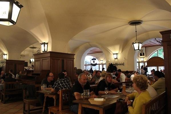 Hofbrauhaus-Inside