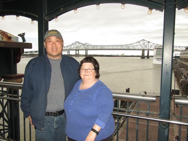 NOLA-Riverwalk-Bridge-us