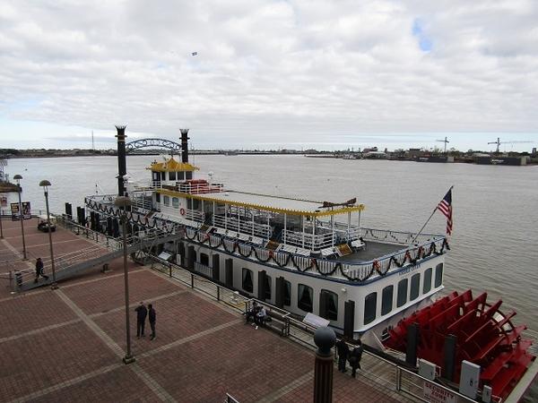 NOLA-Riverwalk-Ship