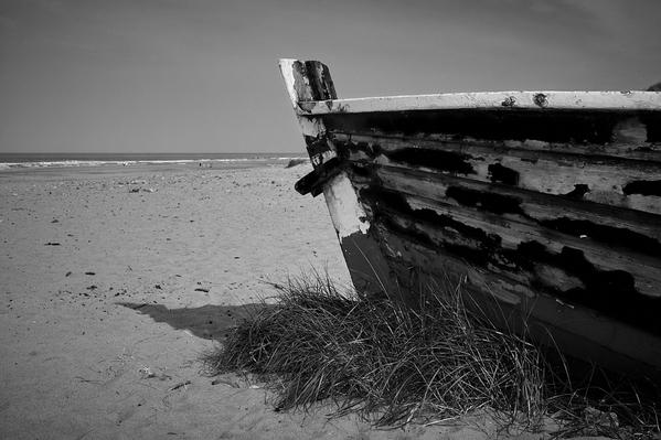 Resting boat bw