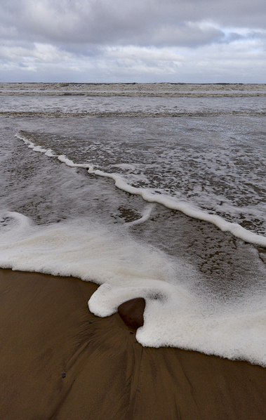 Tide and foam p
