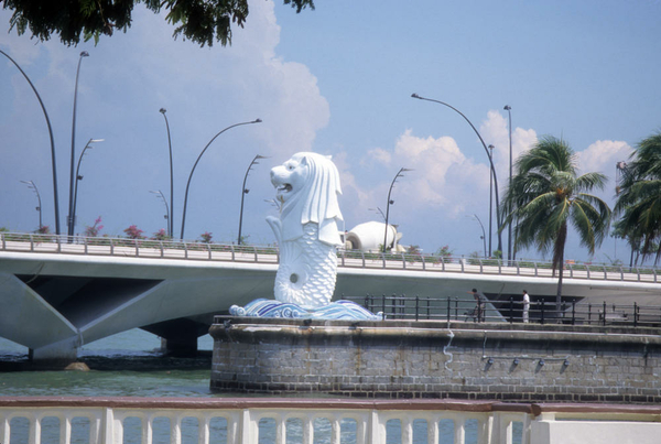 011 Singapore 1998 Merlion