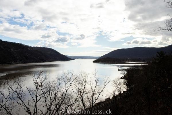 Lessuck_Hudson River-2