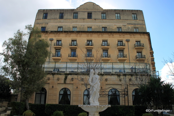 09 The Phoenicia, Valletta