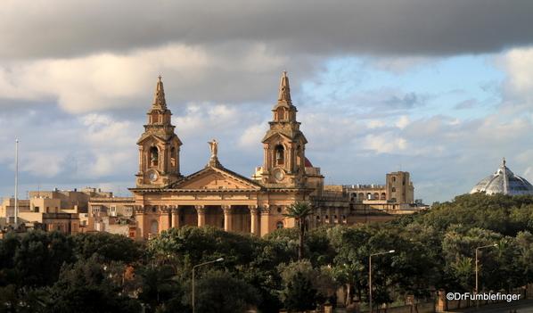17 The Phoenicia, Valletta