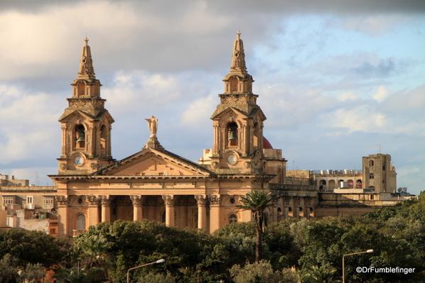 18 The Phoenicia, Valletta