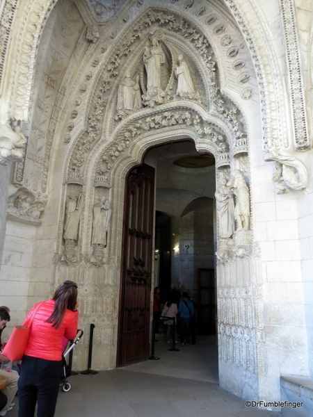 05 Doors, La sagrada Familia