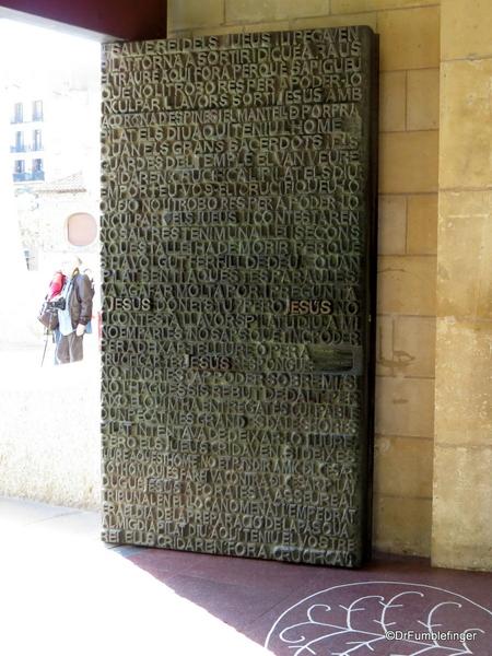 08 Doors, La sagrada Familia