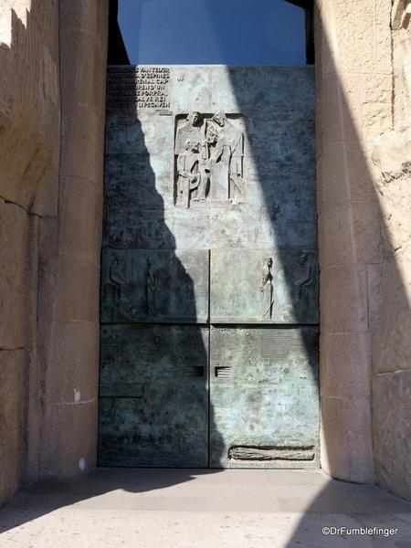 09 Doors, La sagrada Familia