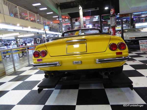 Ferarri 365 GTB4 (4)