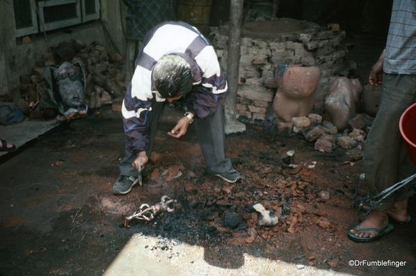 Spare Nepal 04-2002 (14) Kathmandu Lost Wax technique