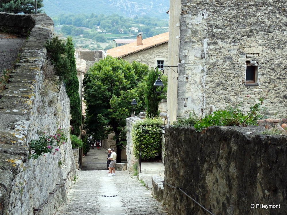 A steep street in Bonnieux