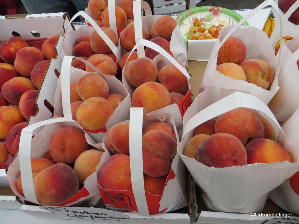 It's Peach Time!  Minturn Farmer's Market, Colorado