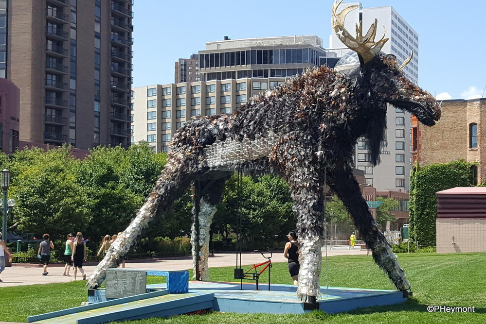 Moose (Moose and Wolf), Minneapolis