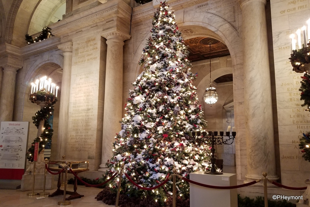 Holiday Decor, New York Public Library