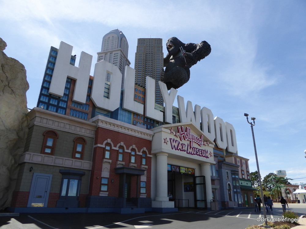 King Kong atop the Hollywood Wax Museum, Branson