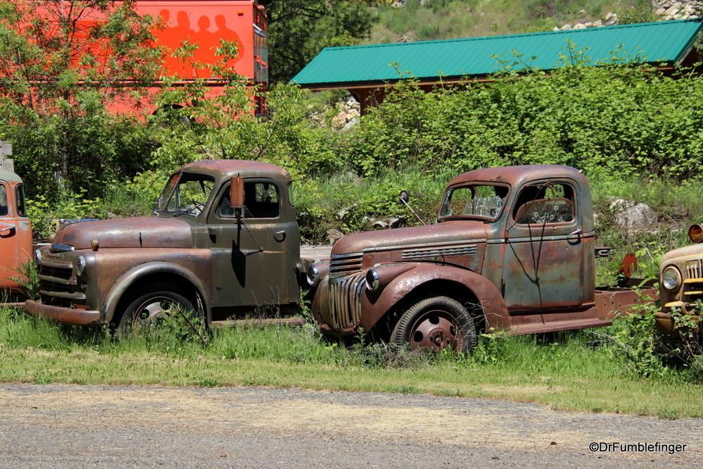 Some great old trucks, Syringia