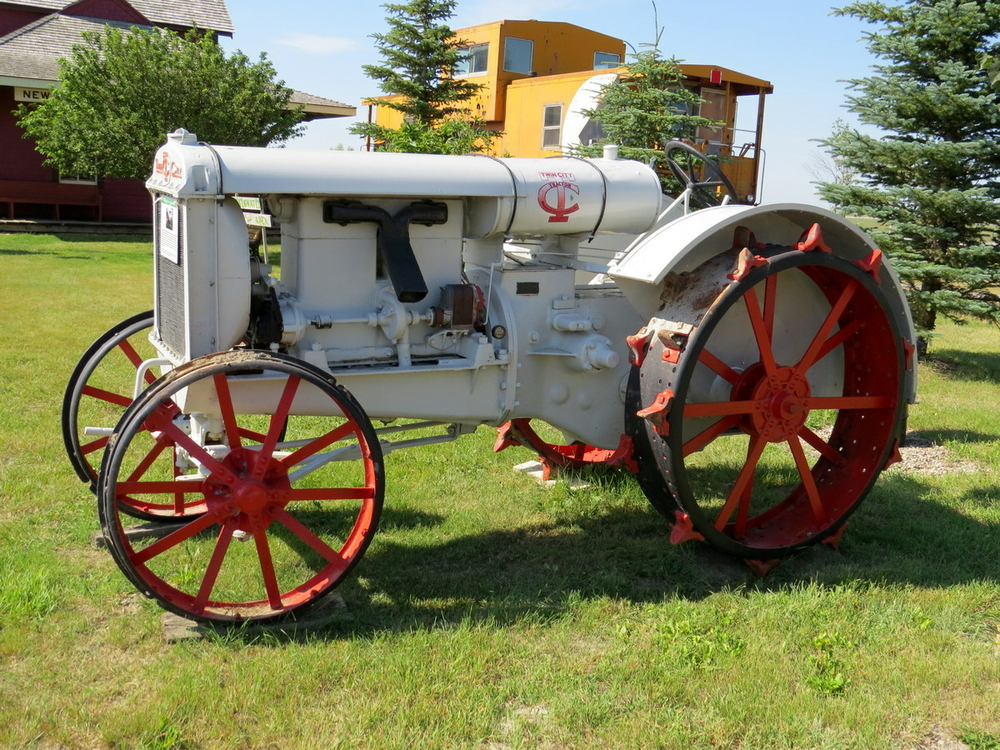 Vintage Tractor, Picture Butte