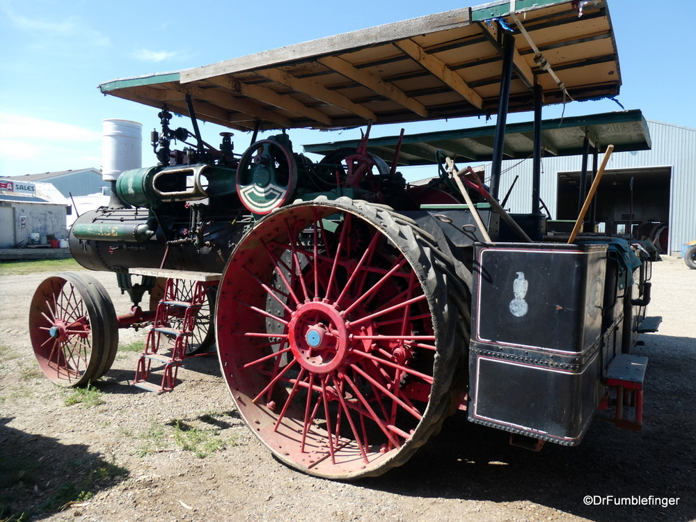 Vintage steam tractor, Drumheller
