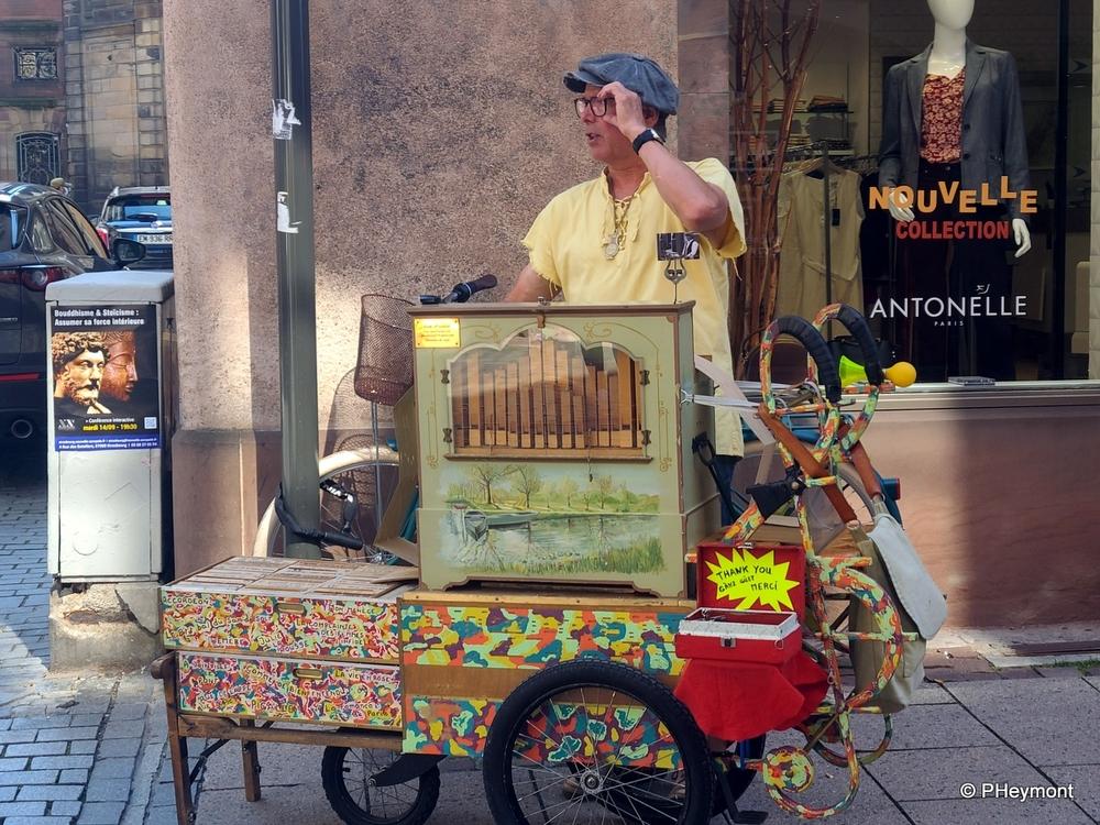 Street Singer, Strasbourg